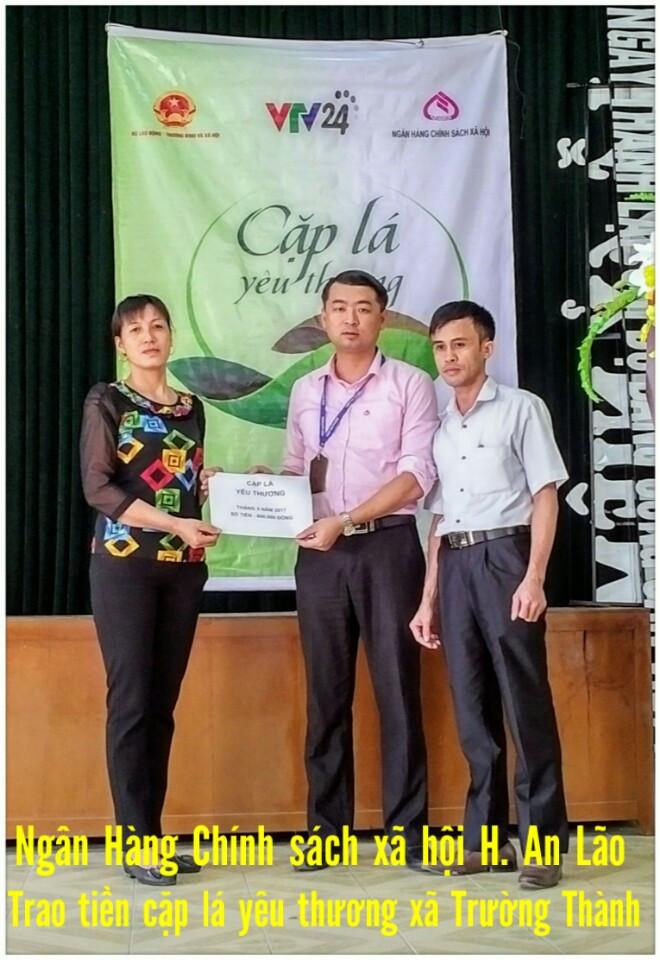 Trao tiền chương trình cặp lá yêu thương tại xã Trường Thành huyện An Lão