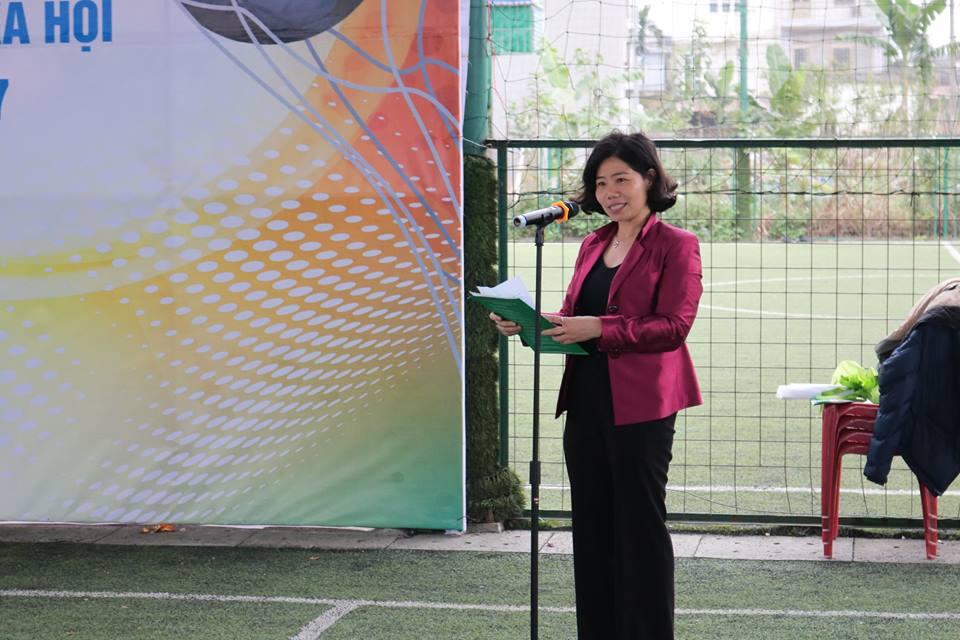 Bà Bùi Thị Giao Hưởng - Phó Giám đốc Chi nhánh - Chủ tịch công đoàn cơ sở phát biểu khai mạc