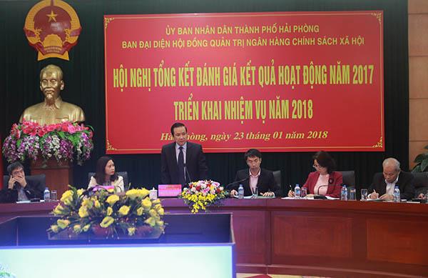 Phó Chủ tịch UBND thành phố Nguyễn Văn Thành phát biểu tại Hội nghị